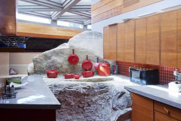 Vista de la cocina - Arquitectura de Lloyd Wright en Petra Island -  Foto: EFE