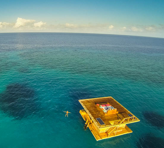 Hotel Submarino